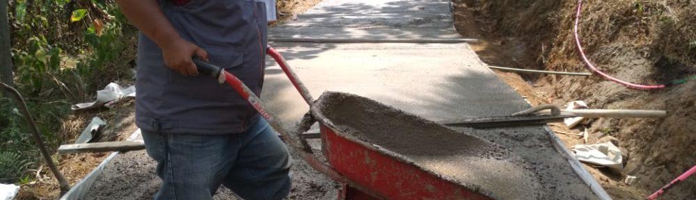 Rumah Zakat Bantu Perbaiki Jalan Usaha Tani di Desa Kertamukti