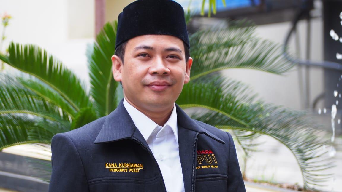 Ketua Umum PP Pemuda PUI, Kana Kurniawan menyatakan bahwa pihaknya mendesak Presiden Jokowi untuk mencabut Perpes Nomor 10 Tahun 2021. (Foto: Humas PUI)