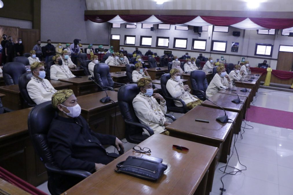 Anggota DPRD Sumedang saat mengikuti Sidang Paripurna Hari Jadi Sumedang ke-443