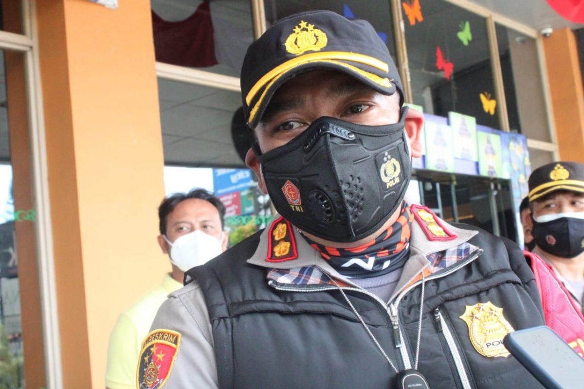 Kapolres Sumedang saat diwawancarai awak media di Mall Jatos